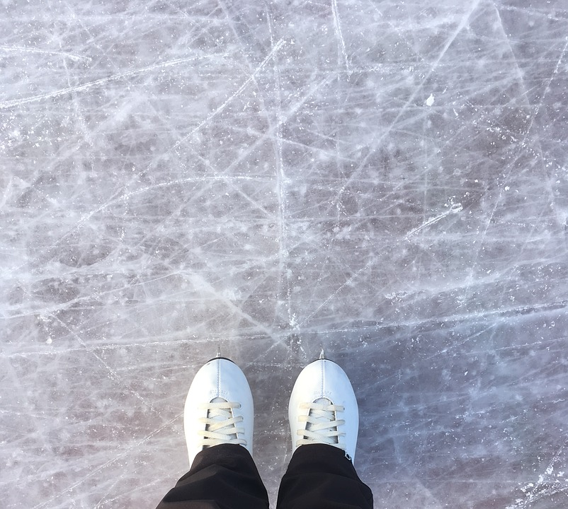 В ледовом дворце на улице Коненкова научат фигурному катанию