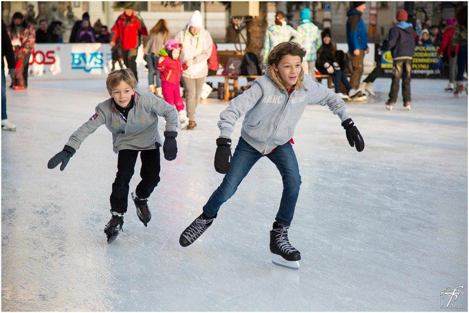 Семейные «Зимние старты» на коньках пройдут в Бибиреве