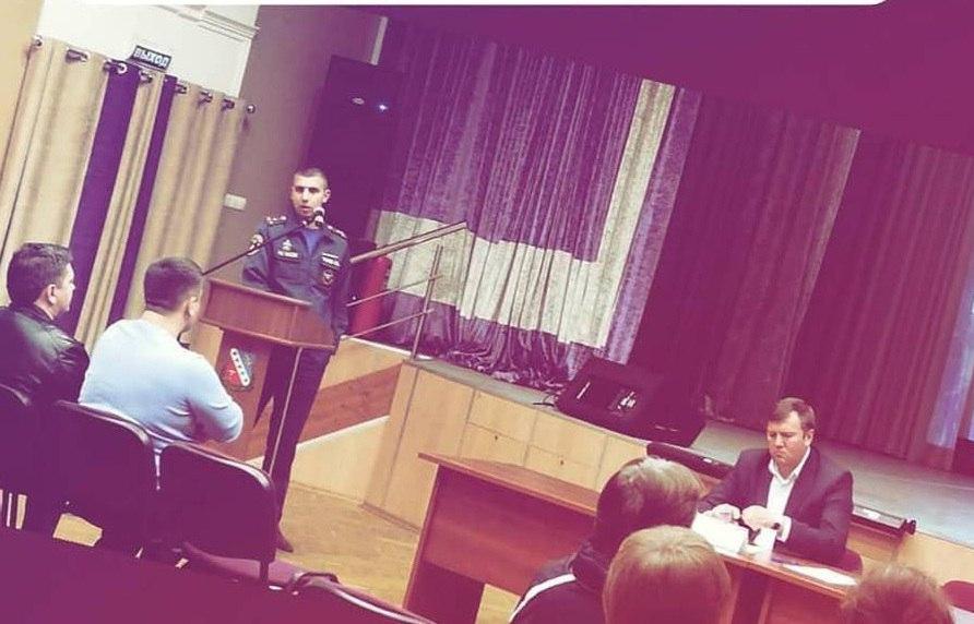 На встрече с и.о. главы управы жители Бибирева узнали о мероприятиях ко Дню Победы