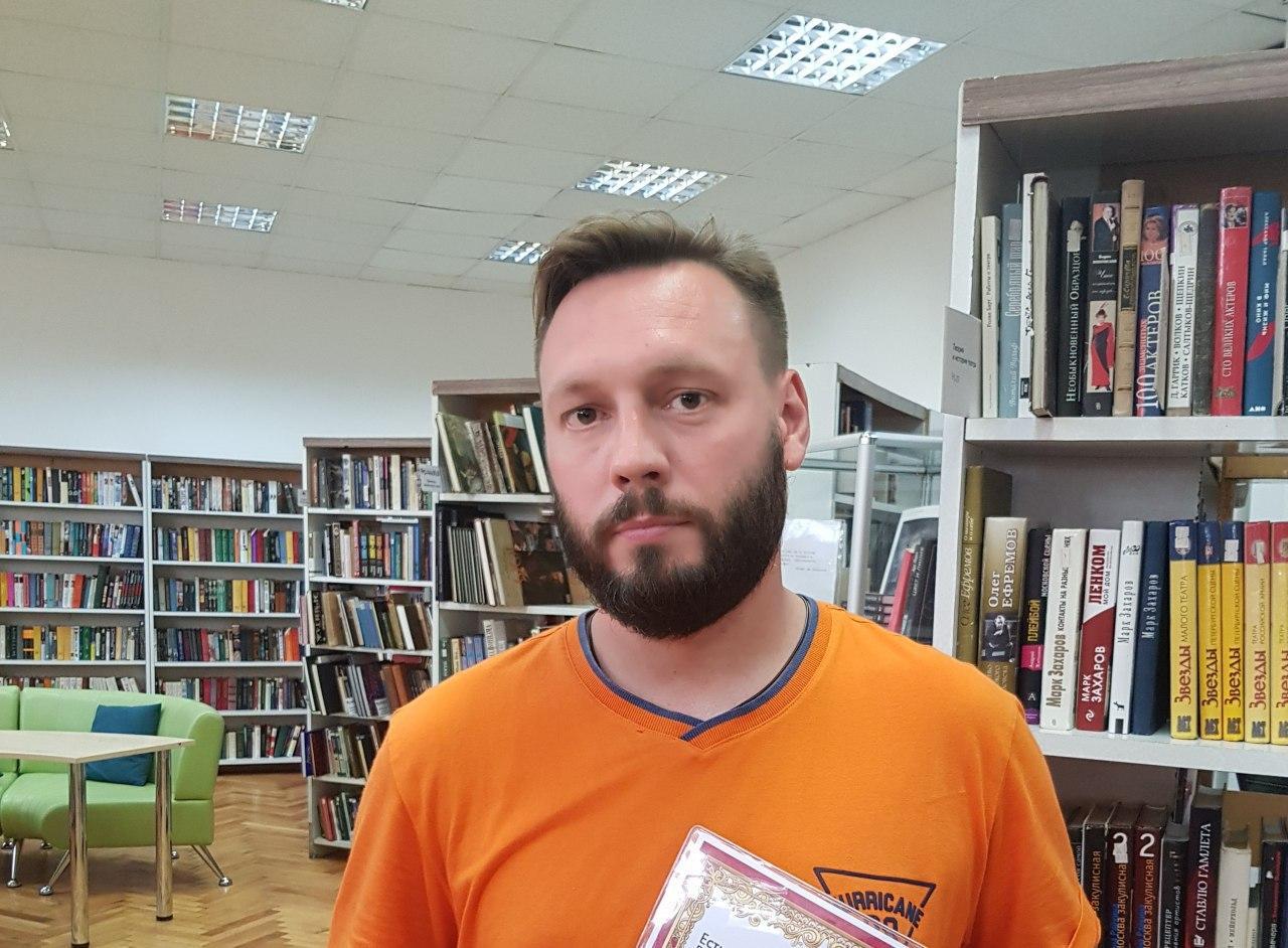 Поэт из Бибирева представит свой новый сборник в библиотеке на Корнейчука