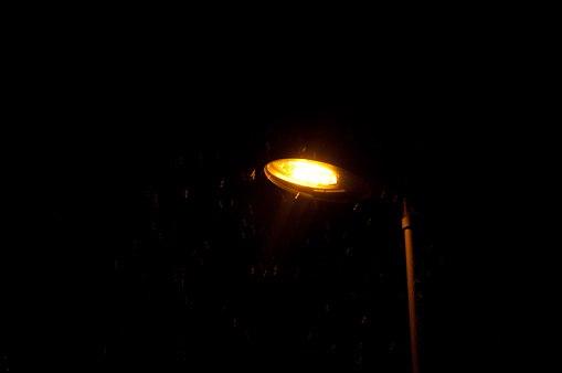 Во дворе дома на Корнейчука восстановят освещение